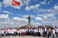 FOLKLOR GÖSTERİSİ - Tunceli'den Gelen Öğrenciler Afyonkarahisar'da Ağırlandı