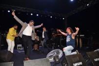 ÇETIN KıLıNÇ - Ünlü Sanatçılar Sarıgöl'de Sahne Aldı