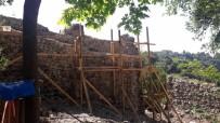HAÇLı SEFERLERI - Ceneviz Kalesi Restarasyon Çalışmaları Sürüyor