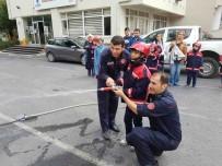 ZİHİNSEL ENGELLİ ÇOCUKLAR - Engelli Çocuklar İtfaiyecilik Haftası'nda Yangın Tatbikatına Katıldı