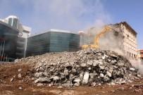 YIKIM ÇALIŞMALARI - Eski Emniyet Binası Yıkılıyor