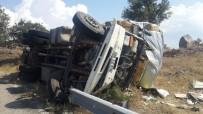 MUSTAFA YıLMAZ - Gediz'de Trafik Kazası Açıklaması 1 Yaralı