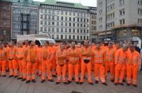 HAMBURG - Hamburg'taki meydana Türk temizlik işçisinin ismi verildi