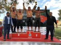 HÜSEYİN PEHLİVAN - Körfezli Güreşçiler Madalyayla Döndü