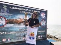 BARAJ GÖLÜ - Yüzme Maratonunda Adanalı Ece Turgut Birinci Oldu