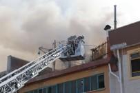 MEDIKAL - Ankara'da Medikal Malzeme İmalatı Yapan İş Yerinde Korkutan Yangın