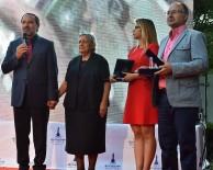 İZMIR EMNIYET MÜDÜRÜ - Birinci Olan İHA Muhabirleri Ödülünü Aldı