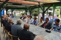MUHAMMET ÖNDER - Gediz Kaymakamı Önder, Belediye Başkanları Ve Mahalle Muhtarlarıyla Bir Araya Geldi