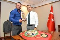 FRANKFURT - Muay Thai Şampiyonundan Vali Çeber'e Ziyaret