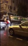 DAYAK - Lüks Cipli Şehir Eşkiyaları Beyzbol Sopasıyla Belediye Temizlik İşçisini Böyle Dövdü