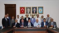 AK Parti İl Başkanı Revi Basın Toplantısı Düzenledi