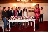 SEYFETTİN YILMAZ - Başkan Sözlü, Fotoğrafçısının Nikahını Kıydı