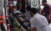 HUZUR MAHALLESİ - Bursa'da Çatı Faciası Açıklaması 1 Ölü, 1 Yaralı