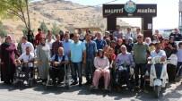 ZİHİNSEL ENGELLİLER - Engelliler Halfeti'de Gönüllerince Eğlendi