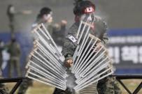 ASKERİ GÜÇ - Güney Kore Devlet Başkanı Jae-İn Açıklaması 'Güçlü Ve Caydırıcı Ordu Barışın Teminatıdır'
