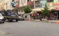 SİLAHLI KAVGA - İstanbul'da İki Grup Arasında Silahlı Kavga Açıklaması 4 Yaralı