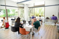 ÜCRETSİZ İNTERNET - Ofisi Olmayanlara Ve Öğrencilere Yeni Çalışma Mekanı