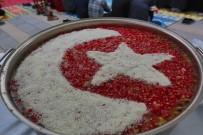 FEVZI KıLıÇ - Adapazarı Belediyesi 10 Bin Kişilik Aşure Dağıttı