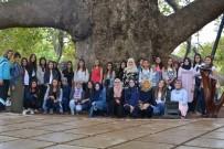 KAPALI ÇARŞI - Afyonkarahisar Gençlik Merkezi Üyeleri Bursa'ya Gezi Düzenledi
