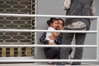 CEM SULTAN - Büyük Korku Yaşayan Çocuklar Gözyaşlarına Boğuldu