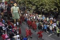 CENEVRE - Cenevre Sokaklarında Dev Kuklalar