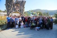 ENGELLİ YAKINI - Engelliler, Kuşadası'nda Dolu Dolu Bir Tatil Geçirdi
