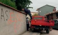 UYUŞTURUCU OPERASYONU - Evin Bacasından, Çatısından Ve Eletrik Trafosundan Uyuşturucu Çıktı