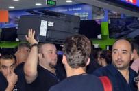EZİLME TEHLİKESİ - Kastamonu'da Teknoloji Mağazası Açılışında İzdiham Yaşandı
