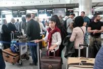 UÇUŞ YASAĞI - Türkler Kuzey Irak'tan Dönüyor