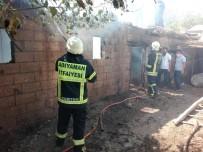 DOYRAN  - Tütün Ve Toprak Ev Yandı