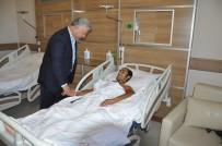 SELAHATTIN BEYRIBEY - Bakan Arslan, Hasta Ve Hasta Yakınlarıyla Bayramlaştı
