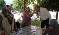 PAMUKÖREN - Başkan Ertürk, Bayramda Yaşlılar Ve Şehit Ailesini Unutmadı