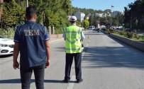TRAFİK CEZASI - Bilecik'te Yapılan Uygulamada 3 Araç Trafikten Men Edilirken, 7 Araca Da 5 Bin TL Trafik Cezası Uygulandı