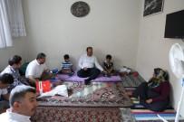 BUHARA - Çiftçi'den Vatandaşlara Evlerinde Bayram Ziyareti