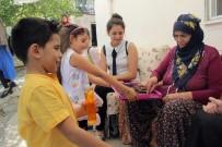 TUANA - Çocuklar, Bayramda Yalnız Kalan Yaşlıları Unutmadı