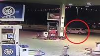 El Freni Çekilmeyen Araç Akaryakıt İstasyonunda Tur Attı