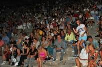 SERMİYAN MİDYAT - MÖF Tatilcilere Müzik Ziyafeti Sundu