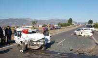 Amasya'da Otomobiller Çarpıştı Açıklaması 1 Ölü, 2 Yaralı