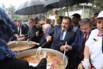 Bakan Eroğlu'ndan Vatandaşlara Aşure İkramı