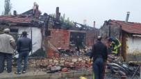 AHŞAP EV - Hisarcık'ta Ahşap Ev Yangını