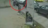 KADINA DAYAK - Başörtülü kadına yumruklu saldırı