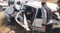 CUMHURIYET ÜNIVERSITESI - Sivas'ta Trafik Kazası Açıklaması 10 Yaralı