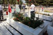 ÇUKURKUYU - Talas Muhtarları Ömer Halisdemir'in Şehitliğini Ziyaret Etti
