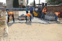 TURGAY ŞIRIN - Turgutlu'da Yollara Kilit Parke Taşı