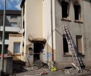DUISBURG - Almanya'da Türklerin Yaşadığı Bölgede Yangın Açıklaması 2 Ölü, 10 Yaralı