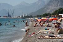 SALIH ŞAHIN - Antalya'da Sahillerde Bayramın Son Gün Yoğunluğu