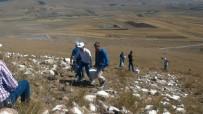 CHP'liler Tabyadaki Ay Yıldızı Ve 'Önce Vatan'ı Boyadılar