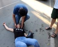 GÜZELYALı - Genç Kadına Yoldan Geçenler Müdahale Etti