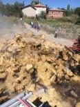 Kepsut'ta 450 Balya Saman Yandı