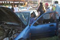 GÜLÜÇ - Otomobiller Kavşakta Kafa Kafaya Çarpıştı Açıklaması 3 Yaralı